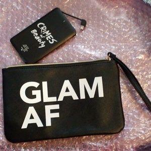 💜3•$20💜 BNIP GLAM AF Charging Wristlet w Battery